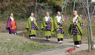 三千院門跡式衆を招いたレクリエーションや合同慰霊祭 写真