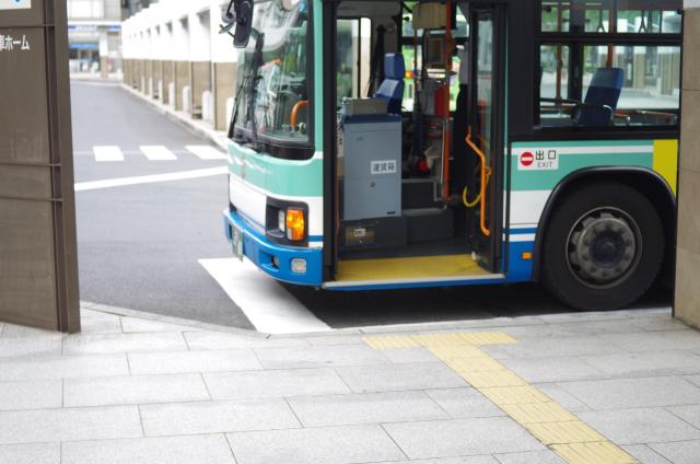 路線バスの降り口